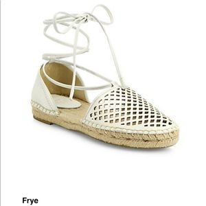 Frye sz 9 white Leo leather lace up D'Orsay Espadr